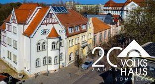 """Luftbild Volkshaus Sömmerda mit Logo """"20 Jahre Volkshaus Sömmerda"""""""