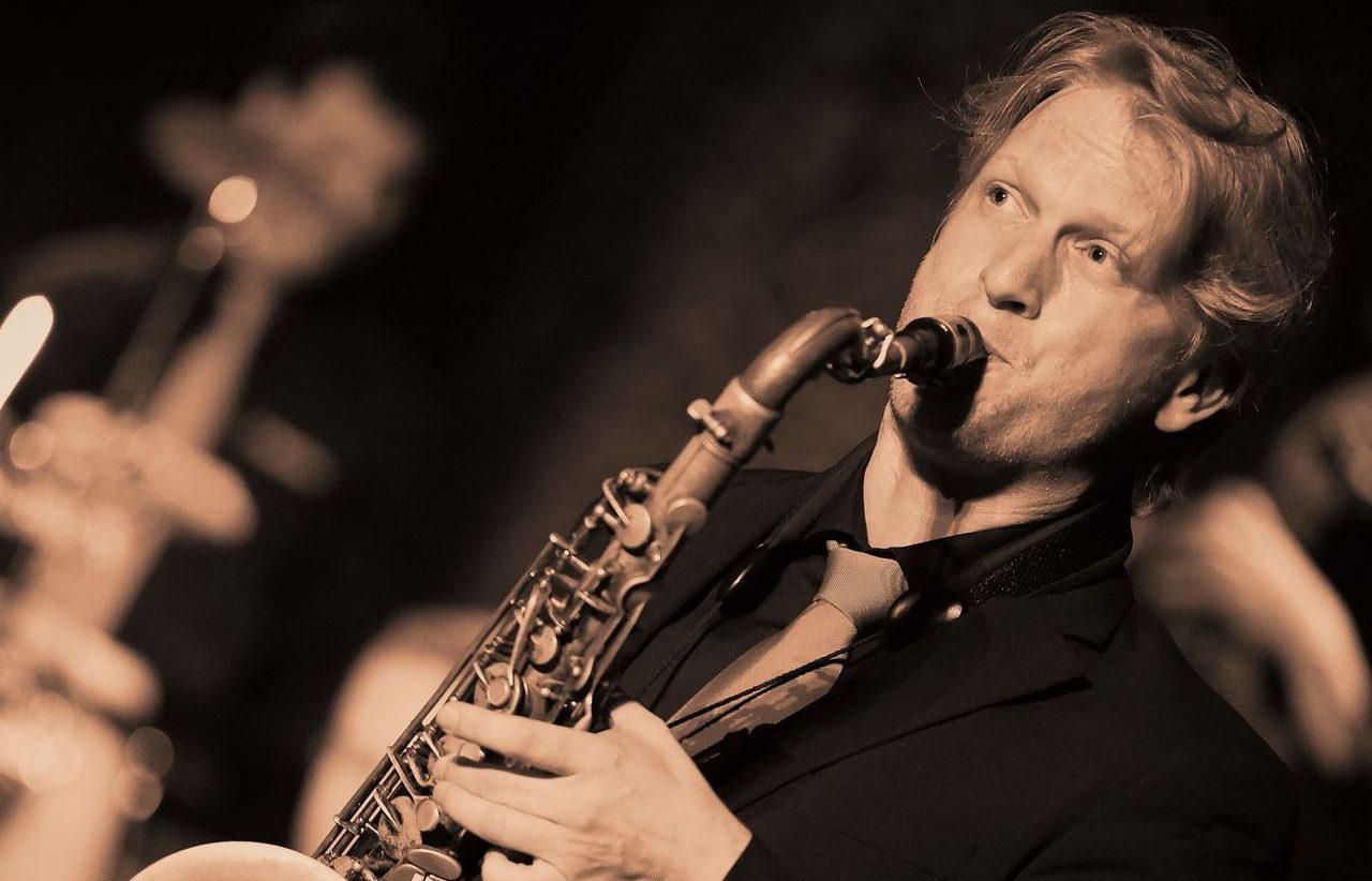 Bild von Darius M. Hummels am Saxophon